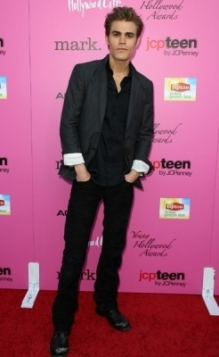 http://images2.fanpop.com/image/photos/12100000/Paul-The-12th-Annual-Young-Hollywood-Awards-the-vampire-diaries-tv-show-12192856-246-400.jpg