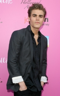 http://images2.fanpop.com/image/photos/12100000/Paul-The-12th-Annual-Young-Hollywood-Awards-the-vampire-diaries-tv-show-12192873-250-400.jpg
