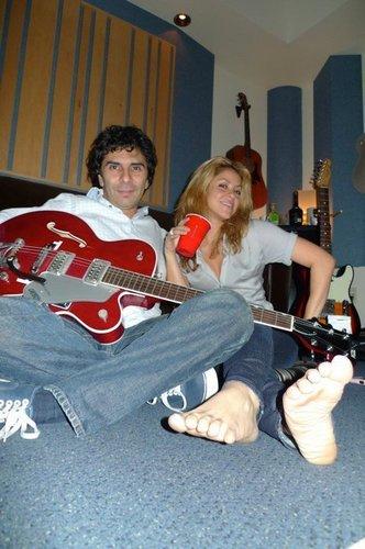 Шакира with Luis Fernando Ochoa in a recording studio - April