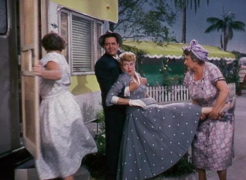 Lucille Ball پیپر وال entitled The Long, Long Trailer