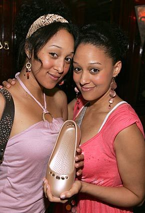 Tia - tia-and-tamera-mowry Photo