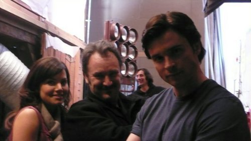 Tom Welling Backstage <3