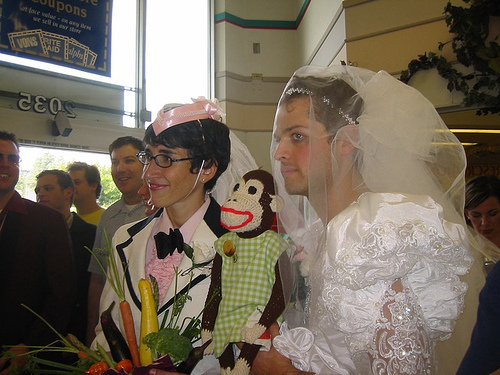 Миша Коллинз Обои called Vicki & Misha renew their vows @Albertsons