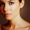 « MI-FIGUE MI-RAISIN. » (4/4 libres) Willa-Holland-willa-holland-12121459-100-100