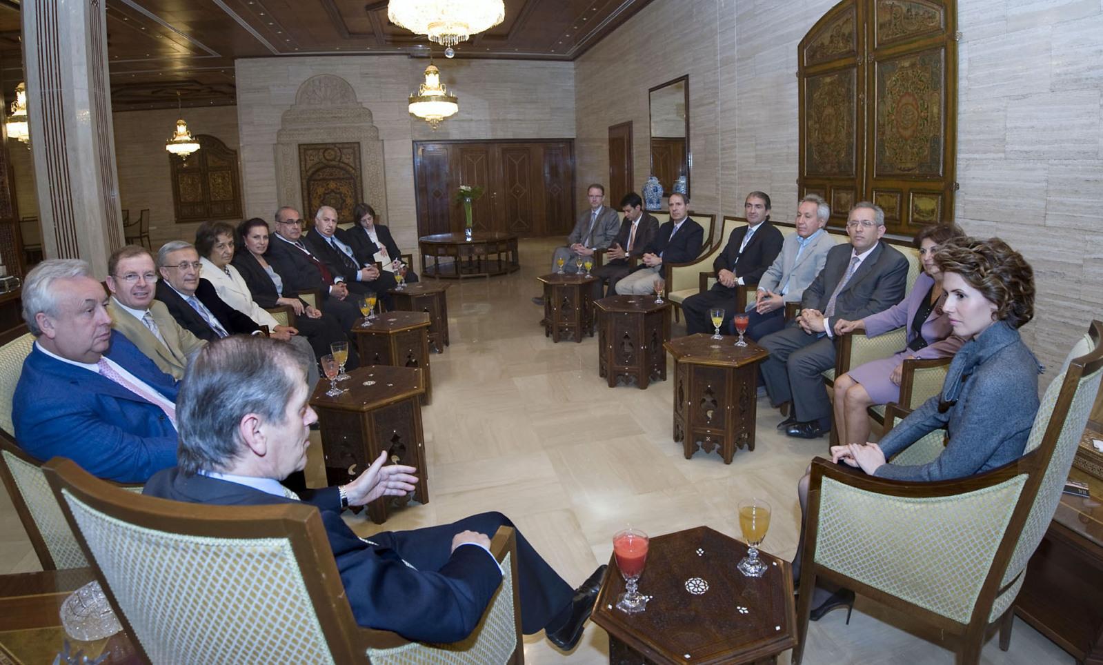 Asma Al Assad - Página 9 First-lady-asma-first-lady-asma-12159918-1599-964