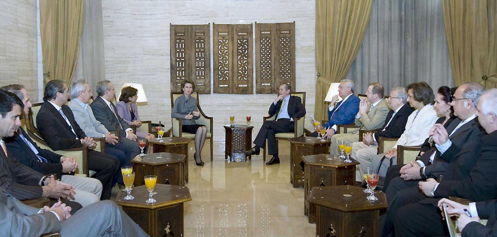 Asma Al Assad - Página 9 First-lady-asma-first-lady-asma-12159920-1598-762