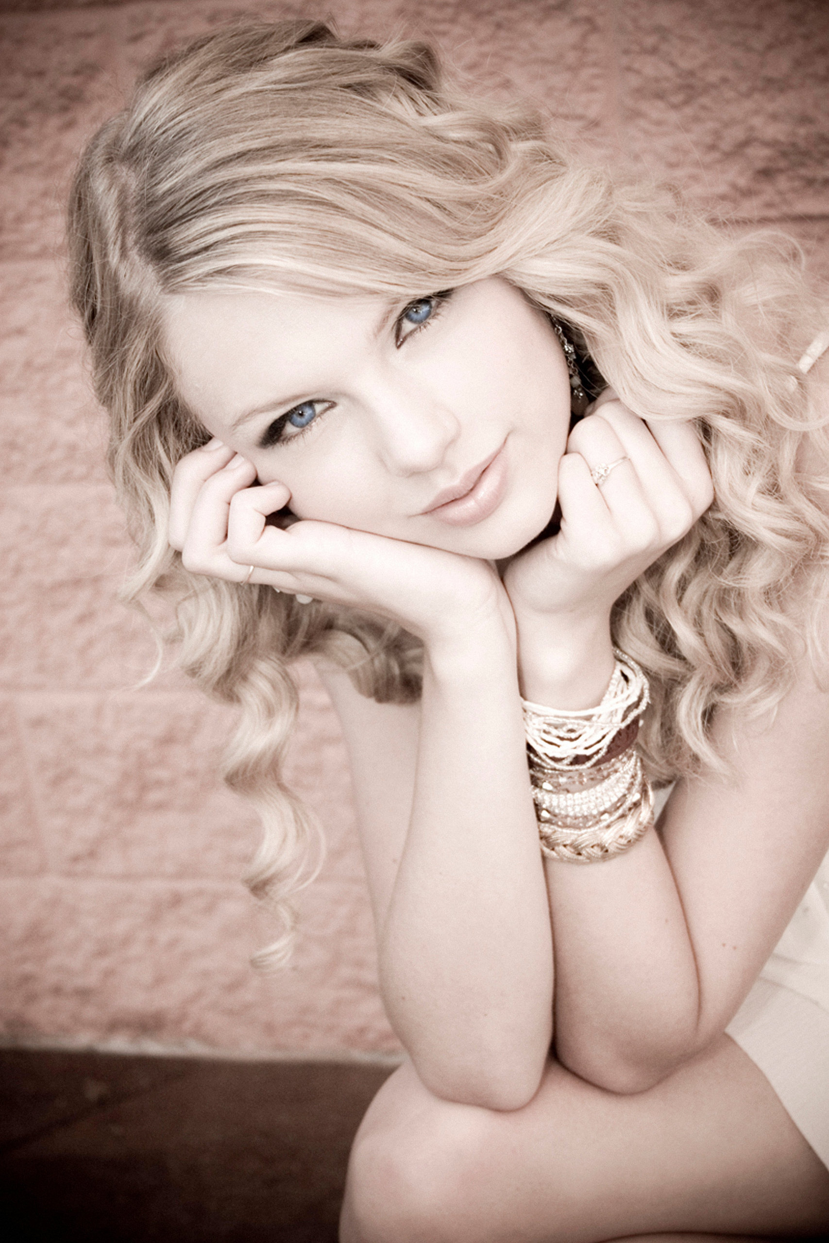 """Fearless"" photoshoot - Fearless (Taylor Swift album ..."