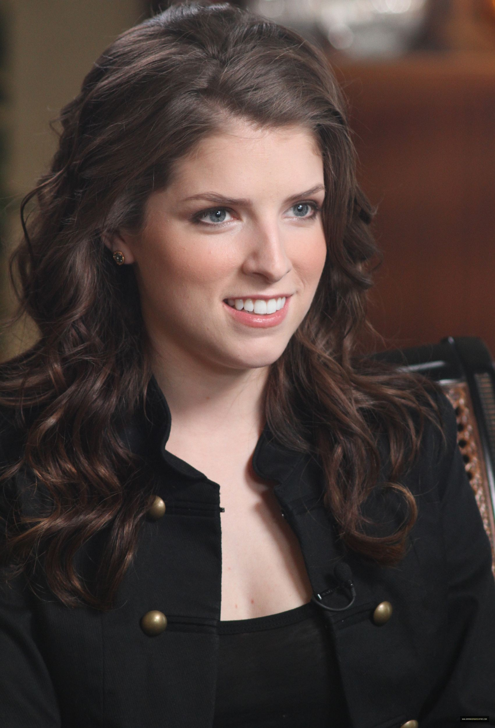 Howie At Home Anna Kendrick Images Anna Kendrick Hd Wallpaper And
