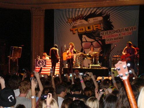 Christofer Drew @ Newport muziek hall Coulumbus Ohio may72010