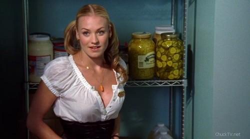 Yvonne Strahovski wallpaper titled Chuck 1x08
