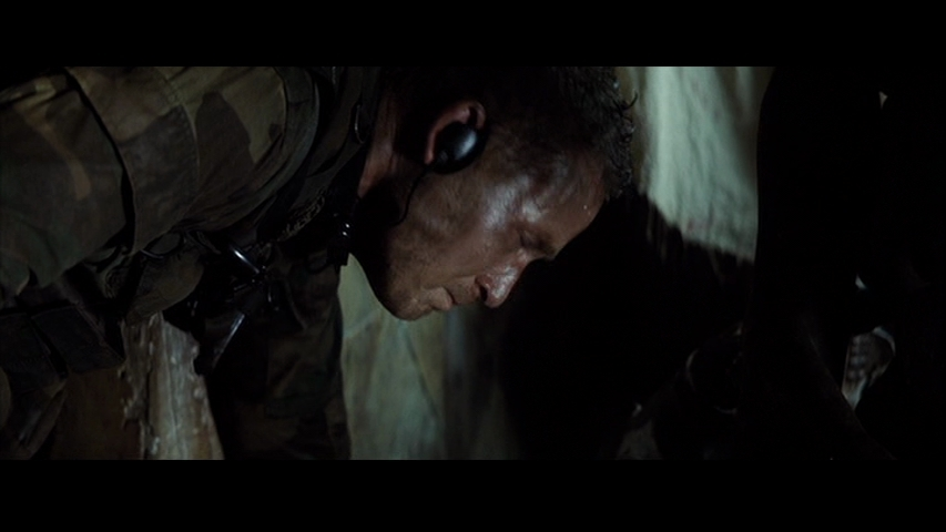 Hauser in 'Tears of the Sun' - Cole Hauser Image (12216075 ...