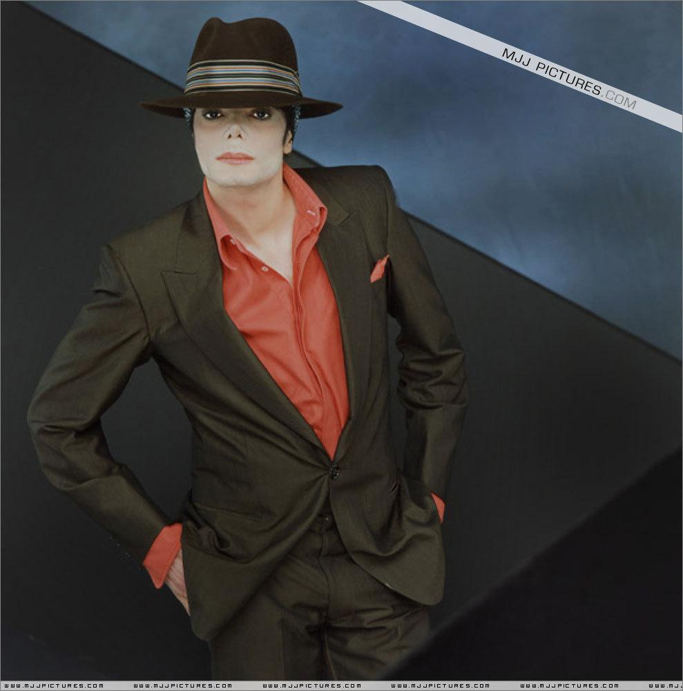 MJ ^__^