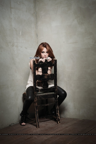 New pictures from 'Can't Be Tamed'
