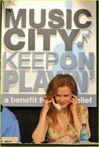 Nicole Kidman: Nashville Benefit konsert for Flood Relief!