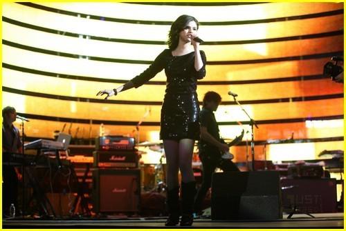 Selena Gomez Rock the Houston Rodeo