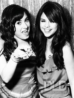 Selena Gomez  Demi Lovato Movie on Selena And Demi   Selena Gomez And Demi Lovato Photo