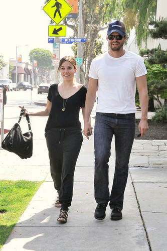 Sophia куст, буш and Austin Nichols Get Lunch in West Hollywood (April 26th)