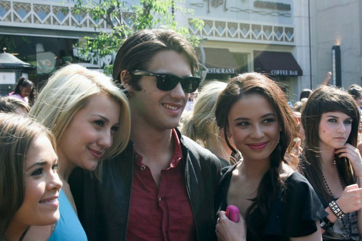 http://images2.fanpop.com/image/photos/12200000/malese-jow-facebook-the-vampire-diaries-tv-show-12255285-720-480.jpg