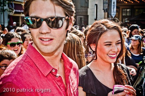 http://images2.fanpop.com/image/photos/12200000/malese-jow-facebook-the-vampire-diaries-tv-show-12255291-500-333.jpg