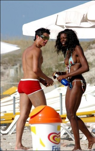 ronaldo and black girl