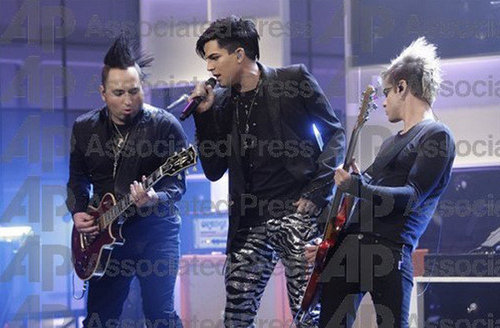 Adam on ibon ng dyey leno and sneak pieak from if i had you video