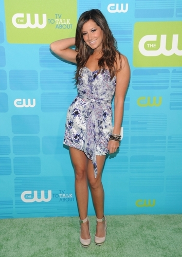 Ashley Tisdale & Aly Michalka at CW UpFront‎ -