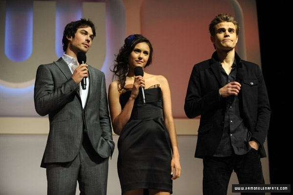 http://images2.fanpop.com/image/photos/12300000/CW-Upfront-Panel-the-vampire-diaries-tv-show-12361441-600-399.jpg