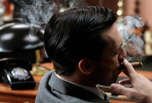 Don Draper - Smoke Gets In Your Eyes - 1.01
