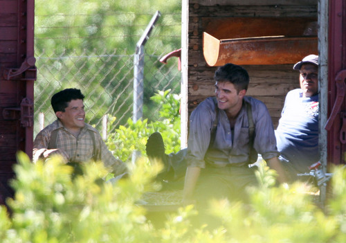 "HQ and Untagged Pictures: @ ""Water for Elephants"" Set"