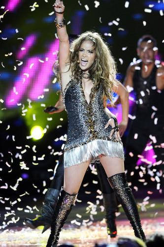 Jennifer@World Music Awards 2010 - Show
