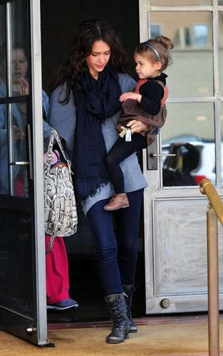 Jessica & Honor out in Brentwood