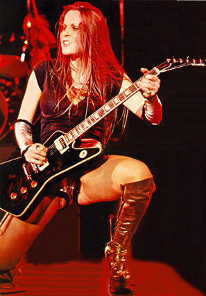the runaways wallpaper titled Lita Ford- Live1977