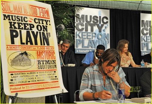 música City Keep on Playin' benefit in Nashville