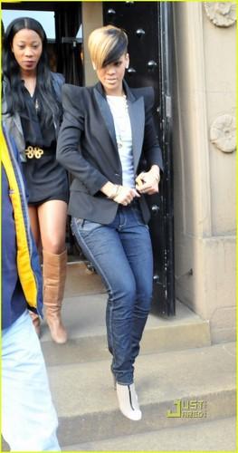 Rihanna: Thai Lemongrass Girl!