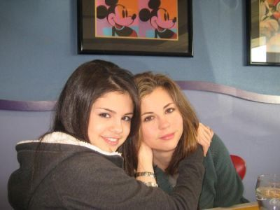 Selena Gomez    on Selena Gomez And Her Mom   Selena Gomez Photo  12326368    Fanpop