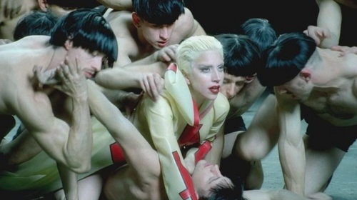 The first pic from the set of Alejandro!