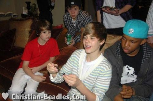 christian Beadles & 老友记 at Justin Bieber's 16th Bday