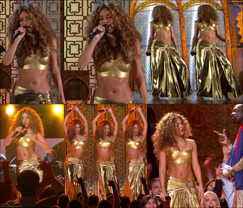 shakira gold breasts - shakira Photo