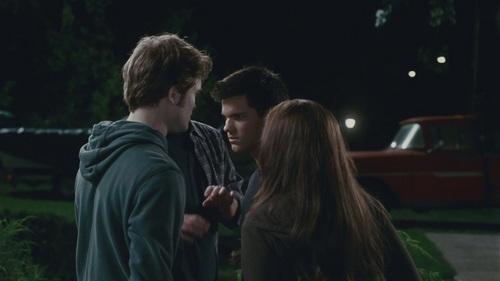 "Bella cygne fond d'écran called ""Eclipse"" Clip: Edward Threatens Jacob HQ"