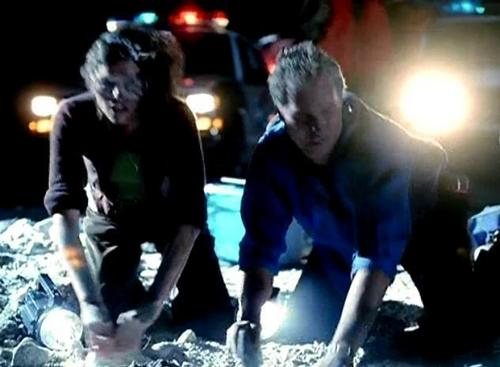 1x03- Crate N' Burial - csi Screencap