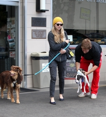 Amanda Out and About in Los Feliz (May 23rd)