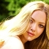 The falen angel places // Saphira relaions Amanda-Seyfried-fanpressions-12426373-100-100