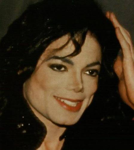 http://images2.fanpop.com/image/photos/12400000/BEAUTIFUL-MICHAEL-michael-jackson-12462550-448-500.jpg