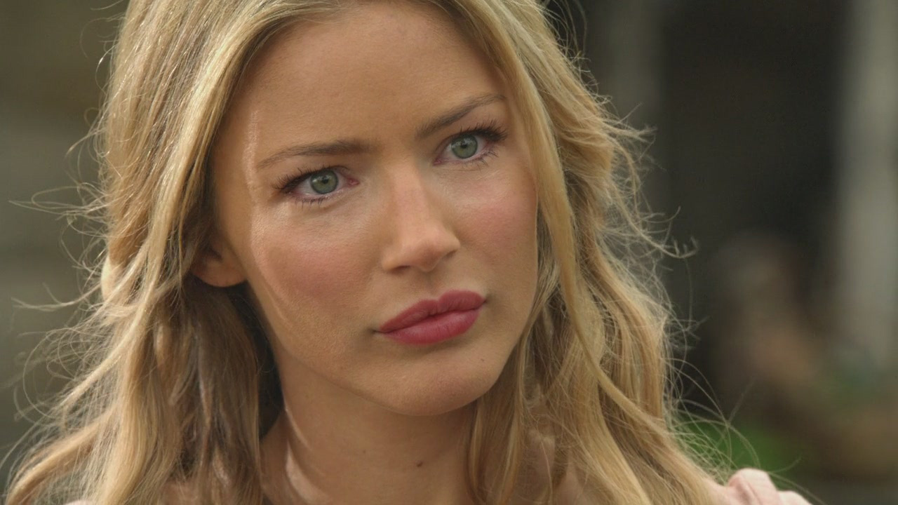 Beautiful-2x21-tabrett-bethell-12407154-