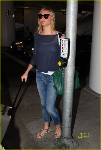 Cameron Diaz@LAX in LA on saturday after a flight from New York (22nd May)
