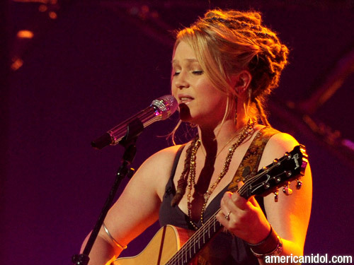 "Crystal Bowersox singing ""Me and Bobby McGee"""