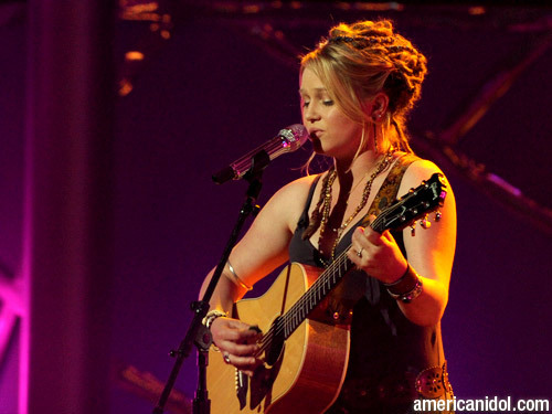 """Crystal Bowersox 歌う """"Me and Bobby McGee"""""""