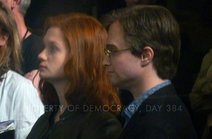 First fotos of adult Harry, Ginny & Potter family from Deathly Hallows epilogue