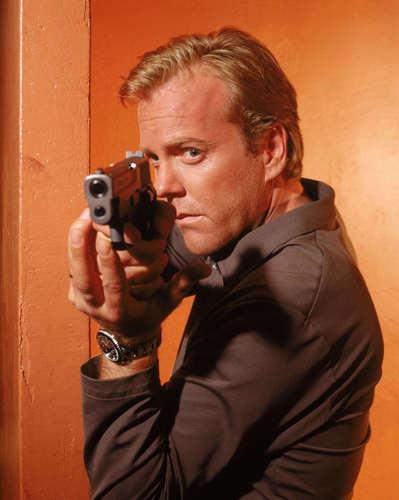 24 দেওয়ালপত্র titled Jack Bauer Season 1
