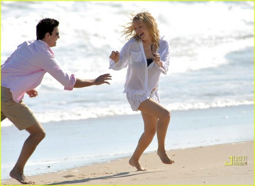Kate Hudson & Colin Egglesfield: Bangin' ビーチ Bods!